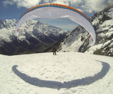 Paragliding various